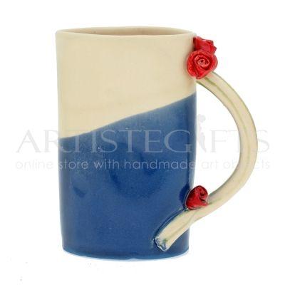 Κούπα Κεραμική Μπλε Με Τριαντάφυλλα. Αποκτήστε το online πατώντας στον παρακάτω σύνδεσμο http://www.artistegifts.com/koupa-keramiki-mple-triantafylla.html