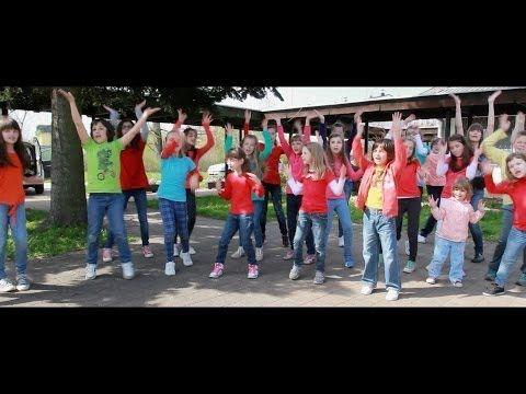 """Pharrell Williams - Happy - Children's choir """"Crescendo"""" ( Sisak, Croatia ) - YouTube"""