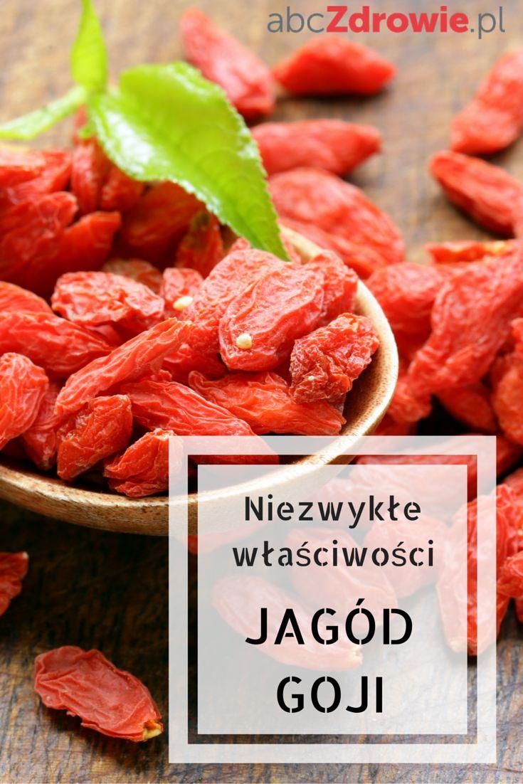 Jagody Goji to źródło wielu witamin i składników mineralnych. Popularny superfood ma również działanie antyrakowe. Zobacz, dlaczego warto włączyć je do swojej diety!  #goji #jagodygoji #superfoods #abcZdrowie