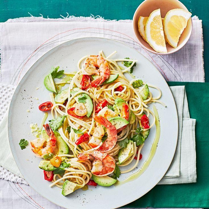 Spaghetti mit Avocado und Garnelen  | deli