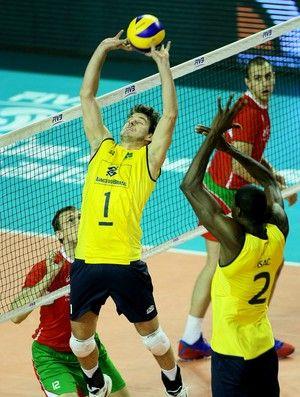 vôlei liga mundial bruninho brasil e Bulgária (Foto: FIVB)