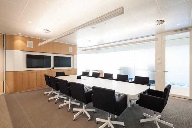 Heerema Marine Contractors | Interior design by HEYLIGERS design + projects. Office, corporate, meeting room, conference room, work floor, interior design.