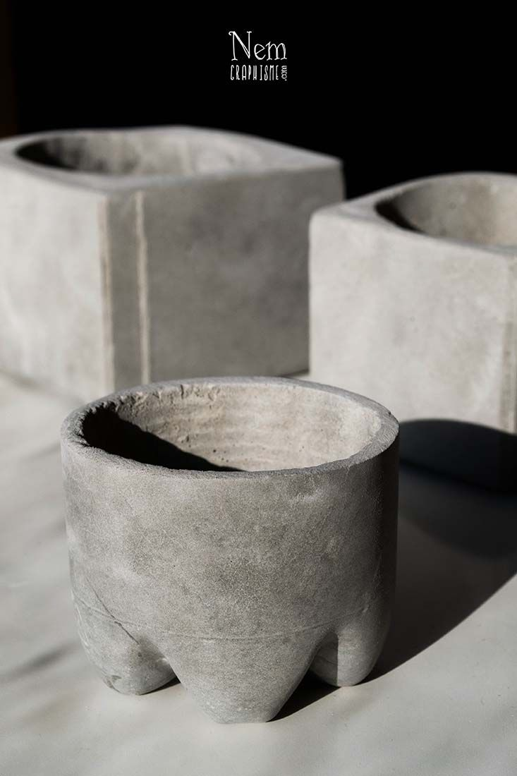 17 meilleures id es propos de cement pots sur pinterest pots en b ton jardini res en ciment. Black Bedroom Furniture Sets. Home Design Ideas