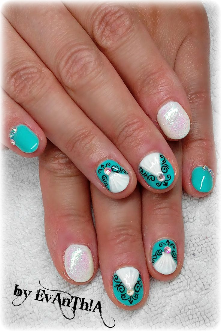 #nails #manicure #shortnails #prettynails #mermaideffect #lightblue #white #strass #nailart #nostickers #3dnailart #gelpolish #cmarso #by_Evanthia