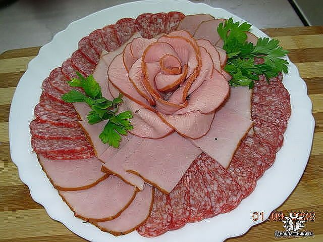 Such a pretty way to display cold cuts for a party!