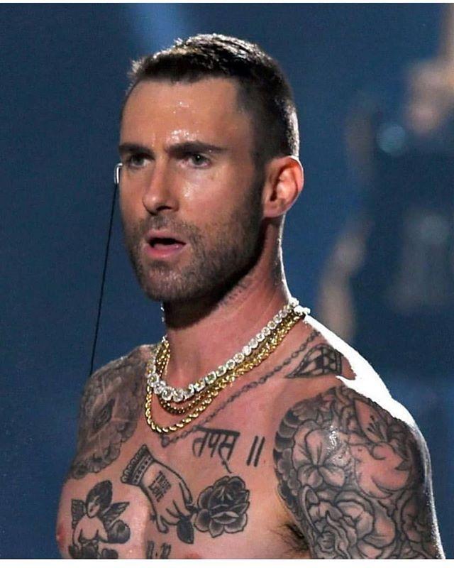 Yes Ikr He Is The Sexiest Man Alive Superbowl Adamlevine Super Bowl Janet Jackson Maroon 5