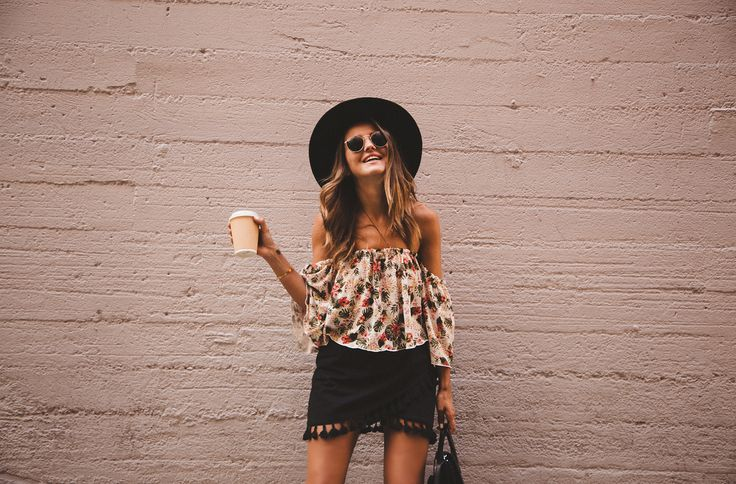 Off shoulder - black hat - black skirt | lovely pepa