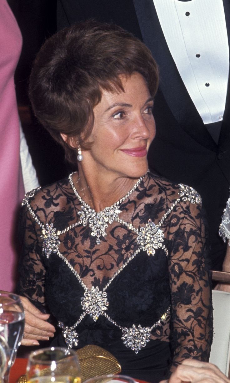 Nancy+Reagan's+Greatest+Looks  - ELLE.com