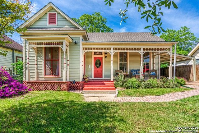 305 Lamar St San Antonio Tx 78202 In 2020 Folk Victorian Victorian Cottage Old Houses For Sale