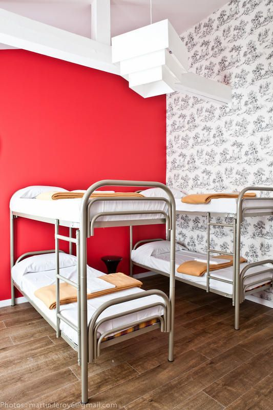 bastille hostel booking