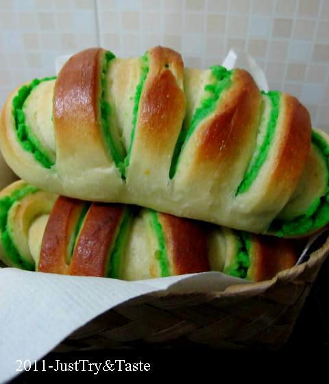 Just Try & Taste: Obsesi Roti 4: Roti Gulung Isi Kacang Hijau
