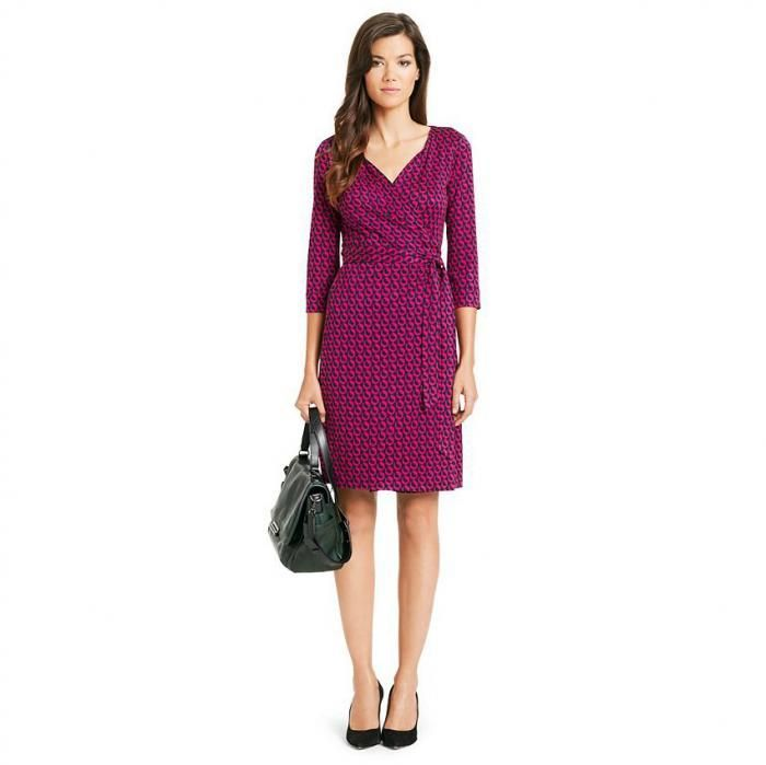 Dresses that show off your curves Clothes Men Wish Women Would Wear • Page 2 of 5 • BoredBug
