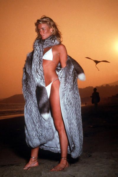 Attractive Nicole Brown Simpson Naked Png