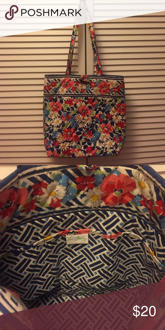 Vera Bradley Tote Bag (Summer Cottage Pattern) Lightly used Vera Bradley Tote bag. Summer cottage pattern (March 2012-2013) Vera Bradley Bags Totes