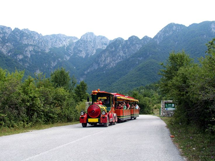 Panoramic route, for your soft trekking tours! Camosciara Mountain, Civitella Alfedena, Abruzzo