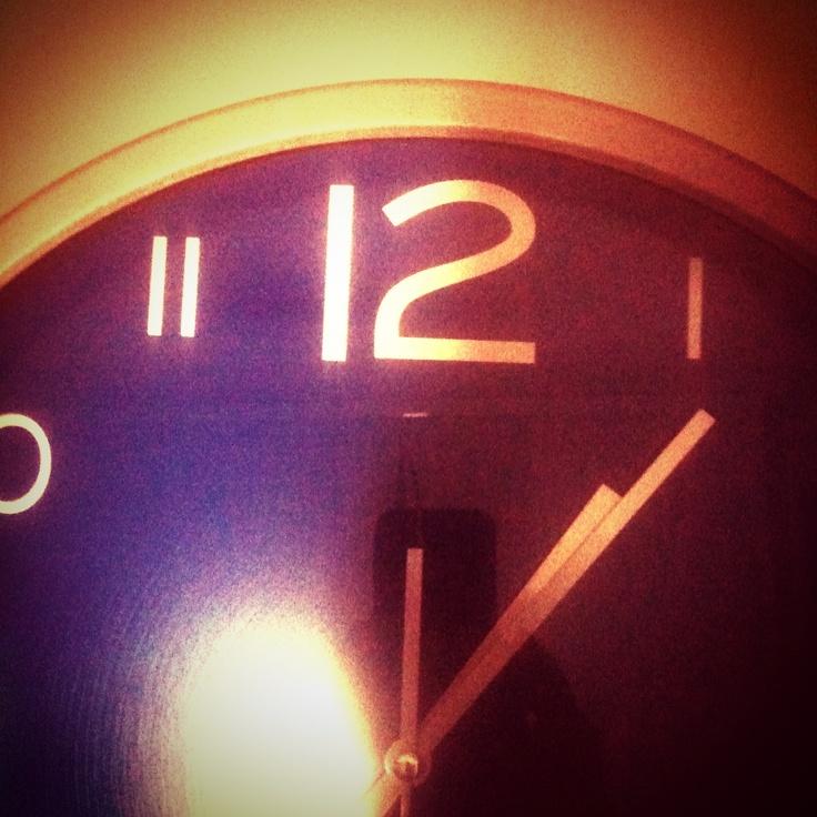 Cuando no se puede descansar, el reloj es mi verdugo.