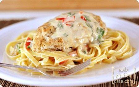 Tuscan Garlic Chicken: Fun Recipe, Olives Gardens Recipe, Chicken Pasta Recipe, Pasta Dishes, Belle Peppers, Dinners, Tuscan Garlic Chicken, Garlic Chicken Pasta, Chicken Breast