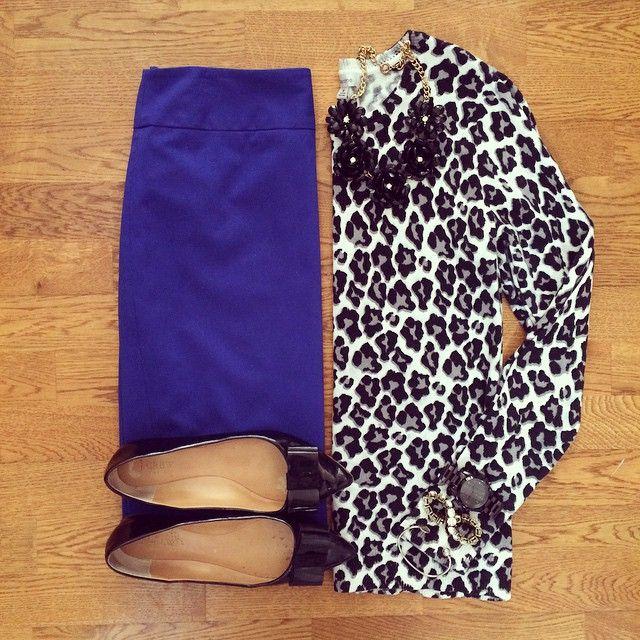 Leopard Sweater, Blue Pencil Skirt, J.Crew Emery Bow Flats   #workwear #officestyle #liketkit   www.liketk.it/Ym0w   IG: @whitecoatwardrobe