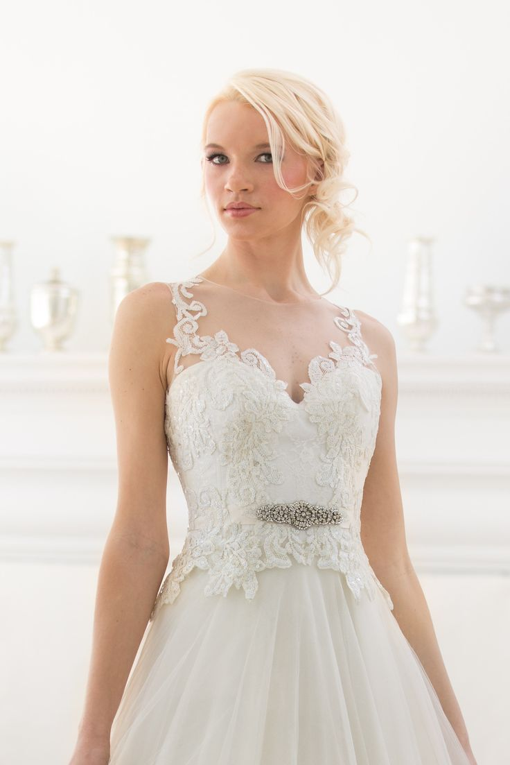 334 best Veluz Reyes images on Pinterest   Illusion, Short wedding ...