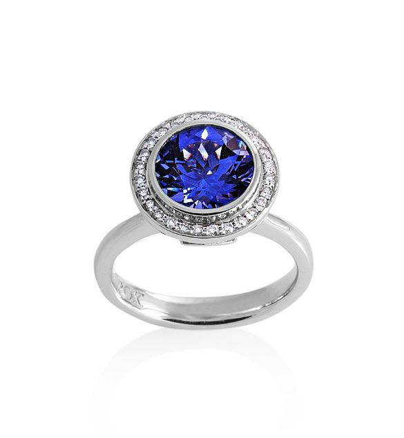 Brilliant Tanzanite ring surrounded by a Diamond Halo by ROX