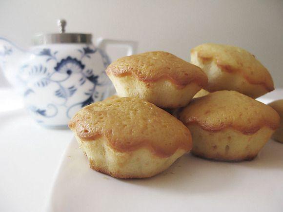 Receta básica de cupcakes paso a paso    http://charhadas.com/ideas/6581-receta-basica-de-cupcakes