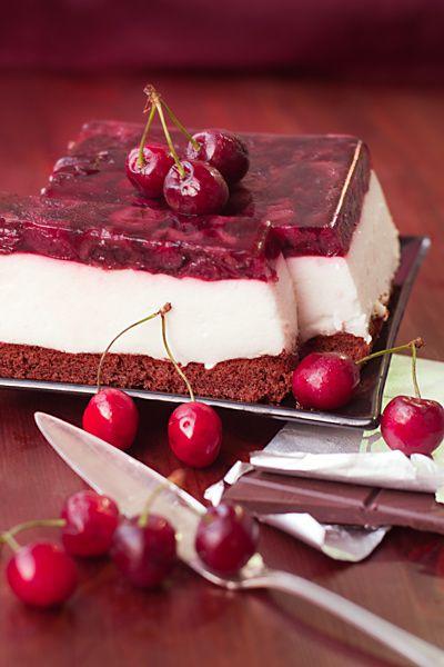 Диетический торт с йогуртовым муссом и черешневым желе - Рыжая книга кухонных пределов