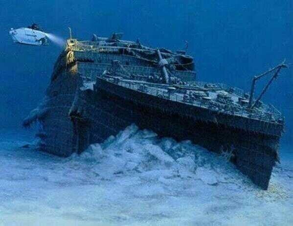 Foto real del 'Titanic' hundido en el fondo del océano.