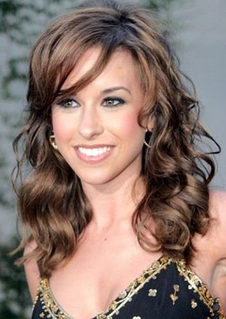 Lacey Chabert Side Swept Long Hair Style