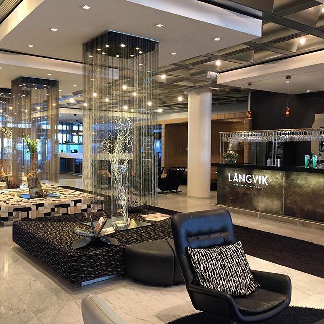 #finland #design Оказалось, что это отель Ротенберга и СКА в нём явление постоянное, а не случайное. Здесь очень красиво и уютно, зона SPA великолепна, а номера уже пора бы и подрихтовать. В остальном, рекомендуем✌️ #langvikhotel http://www.langvik.fi/