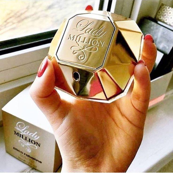 Dolce&Gabbana – 135 TL Dolce Floral Drops Canlandırıcı bu parfüm nilüfer, nergis, papatya çiçekleri gibi aromaları içinde bulunduruyor. Çiçek kokuları favorinizse düşünmeden alabileceğiniz bir yaz...