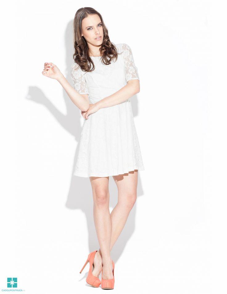 Rochie eleganta din dantela - ecru K003