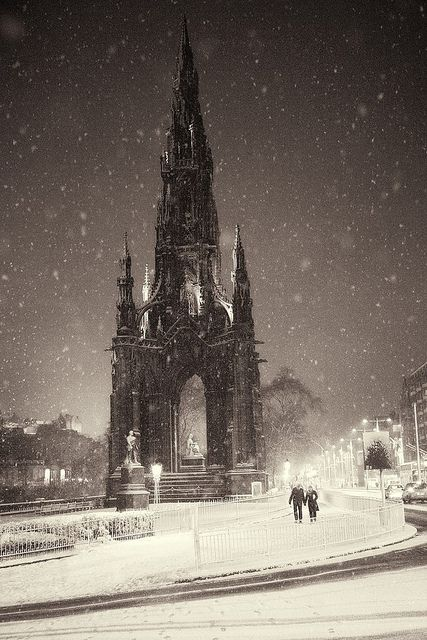In contrast to the photo of the Scott Monument in summer, here's one somebody took in the snow. It kind of looks like something out of a gothic horror movie.