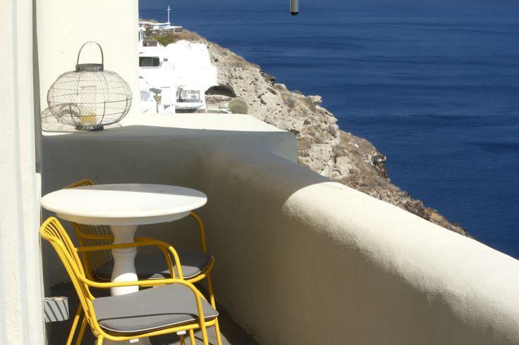 #balcony #caldera #seaview #cliffs #santorini #oia #home #chilling