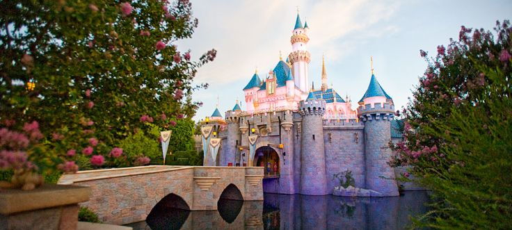 Disneyland. One of my favorite places on earth, and favorite places to travel. It always makes me happy!