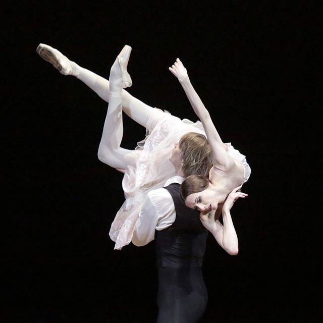 Svetlana Zakharova and Edvin Revazov will be dancing #theladyofthecamellias LIVE from @bolshoi_theatre in cinemas worldiwde on Dec 6! Svetlana Zakharova et Edvin Revazov danseront #ladameauxcamelias en DIRECT du #bolchoi au cinéma dimanche 6 décembre à 16h!