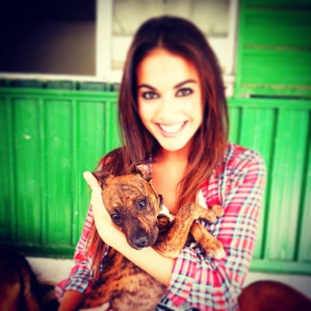 """Lara Álvarez (@ laruka) • Instagram http://instagram.com/laruka/ """"Os presento a este pequeñajo que es para comérselo... Tiene 2 meses y medio y ESTA BUSCANDO CASA y mucho amor. Es muy muy cariñoso y te necesita... Tiene vacunas y chip. Y muchas ganas de encontrar a alguien que le cuide bien... De verdad que es puro amor"""