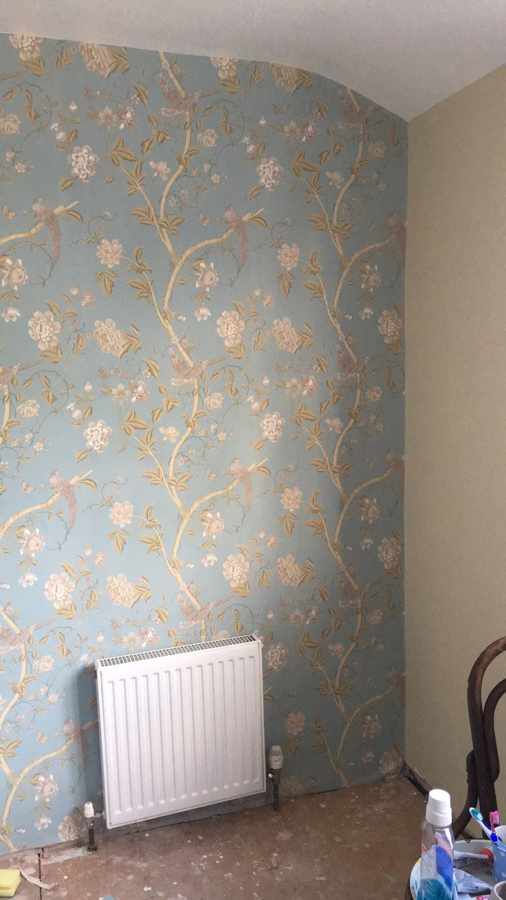 Bathroom. Farrow and Ball - String. Wallpaper - Laura Ashley - Summer Palace