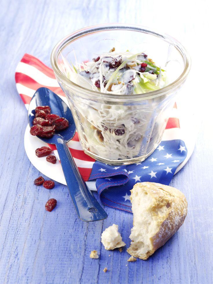 der amerikanische Klassiker - Waldorfsalat verfeinert mit Cranberries #waldorf #salad #classic