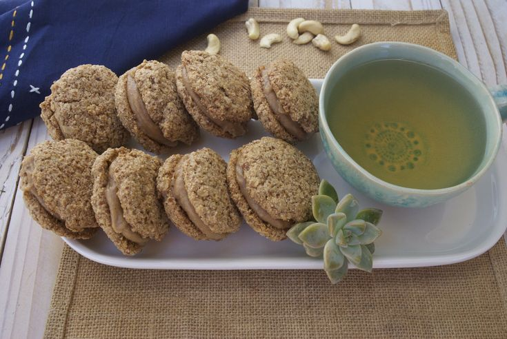 Spiced Oatmeal Cream Cookies