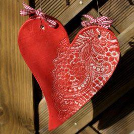 Herz aus Keramik - handgemacht und frostsicher als liebenswerte Geschenkidee