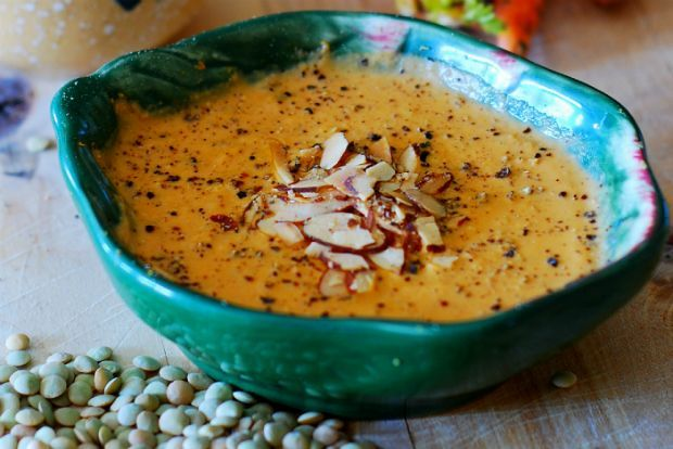 Σούπα κρέμα με φακή και καρότα