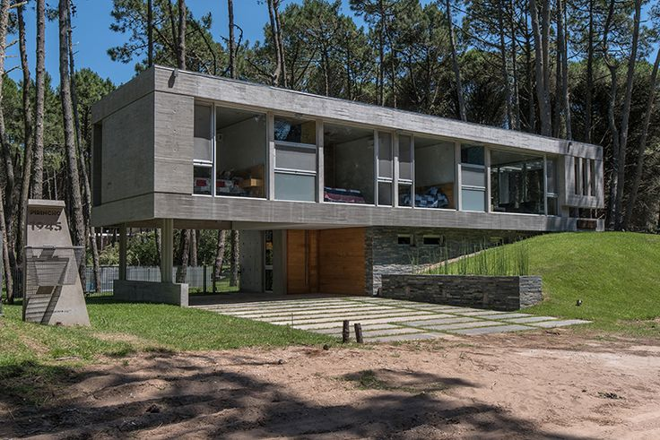A Holiday Home Near the Beach in Buenos Aires, Argentina