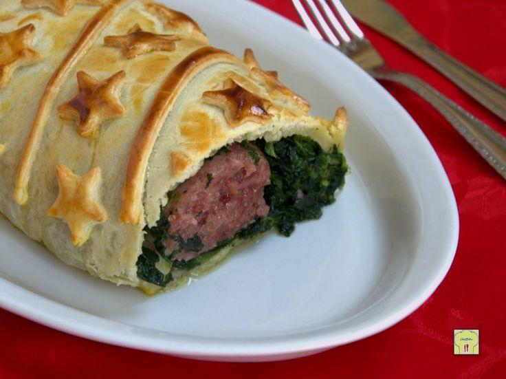 Cotechino in crosta: ricetta facile per presentare il cotechino in modo alternativo alla cena della Vigilia di Capodanno.