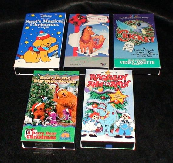 Lot Of 5 Vintage Christmas Cartoon Movies! Raggedy Ann And Andy! Spot! Bear In The Big Blue House!