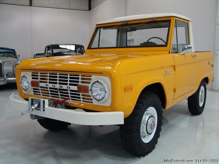 old ford broncos | ... & CO CLASSIC CAR GALLERY PRESENTS: 1972 FORD BRONCO 1/2 CAB PICK-UP