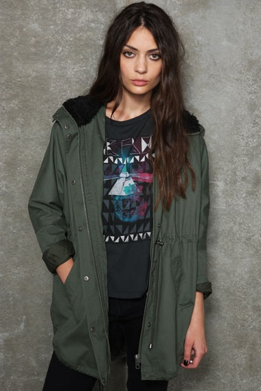 """Sparkle & Fade Oversized Cape Parka - """"For days when you just need to chill (and look great at the same time)"""" - Buy it here: http://tidd.ly/6dd27626"""