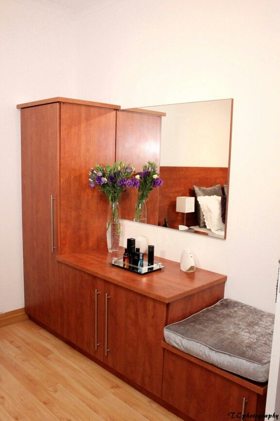 #Modern #designed #dressing-table with a large mirror and cushioned cupboard seat