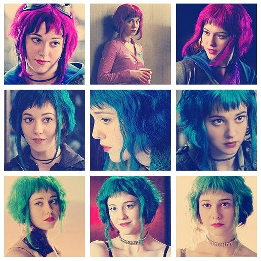 Ramona Flowers - Scott Pilgrim (2010)  I really lover her hair, but it had more, i dunno... texture?... than mine does. But I'm still putting in in my inspiration board for a possible hairstyle.