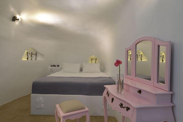 #Stylish #Design #AspakiSuites #ArtMaisons #Santorini