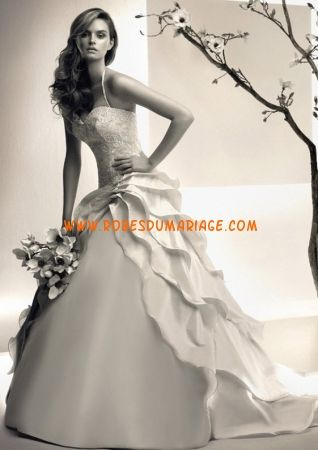Simone Carvalli robe de mariée  pas cher longue évasé ornée de perle satin